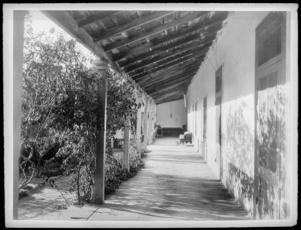 East_veranda_of_Camulos_Ranch,_as_viewed_from_the_north,_1901_(CHS-489)