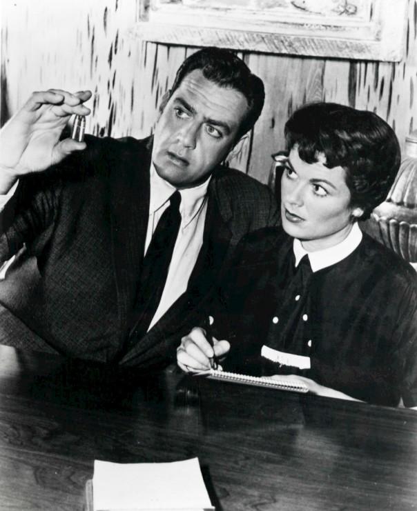 Raymond Burr as Perry Mason and Barbara Hale as Della Street