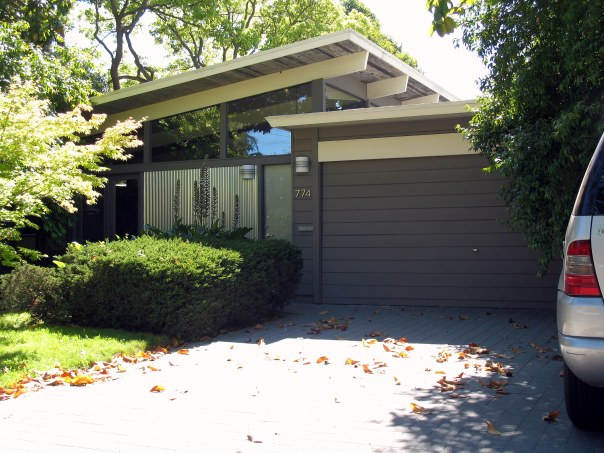 Eichler-designed home in Palo Alto